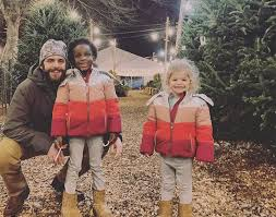 Thomas Rhett on Christmas Traditions New and Old | B104 WBWN-FM