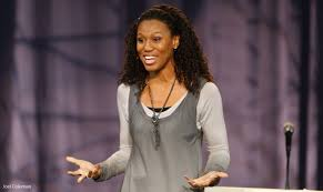 Priscilla Shirer speaks in Friday convocation   Liberty University