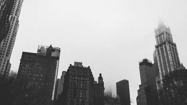 """Resultado de imagem para cidade b&w tumblr"""""""
