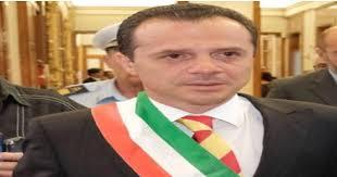 La risposta del sindaco di Messina Cateno De Luca, all'avvocato ...