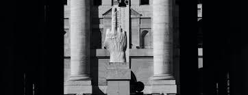 Il monumento a Travaglio - Il Foglio