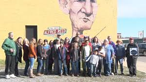 Blind Alfred Reed's family honors late singer before mural is moved in  downtown Princeton | WVNS
