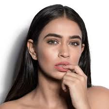 makeup collection for light skin myglamm
