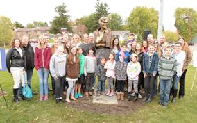 Marlene Smith sculpture unveiled - Chisago County Press ...