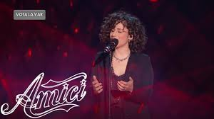 Amici 19 - Giulia - Invece no - YouTube