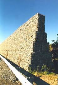 Photo Of A Stone Crib Noise Barrier Noise Barrier Sound Wall Sound Barrier Wall