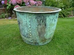 large outdoor flower pots for