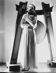 Greta Garbo in a publicity photo for The Painted Veil (Richard Boleslawski,  1934) | The painted veil, Greta garbo, Photo