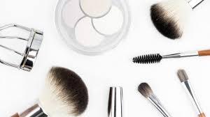 safe makeup during pregnancy that moms
