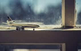 تحميل خلفيات السفر المفاهيم الطائرة على النافذة السفر الجوي