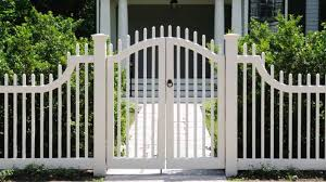 10 Simple Modern Fence Gate Designs With Pictures