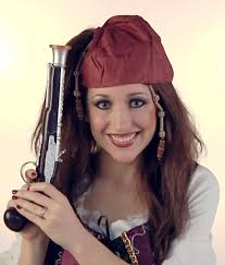 how to do female pirate makeup