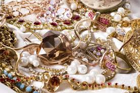 boy 5 finds jewellery stash in pond bt