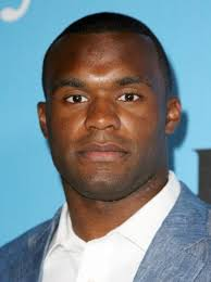 Former NFL Safety Myron Rolle Gets His Degree In Neurosurgery