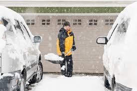 5 winter diy garage door tips