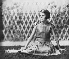 Priscilla Russell-Cooke, last direct line descendant (granddaughter) of  Captain Captain E. J. Smith of RMS Titanic (1933) : OldSchoolCool