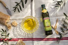 All about the benefits of extra-virgin olive oil - Mediterranean cuisine