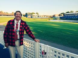 """Adam Helmer on Twitter: """"Last night we crowned our 'guest official of the  week', Mark Dusbabek, with the coveted lumberjack jacket @RBCCanadianOpen  @PGATOURRules… https://t.co/VxXc1MsizI"""""""