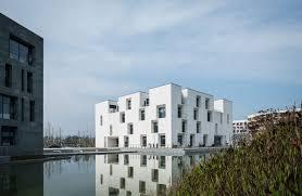 Image result for ساختمان مرکزی تحقیقات و فن آوری کمپانی فراری