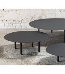 feeling coffee table in concrete serax