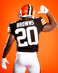 Cleveland Browns reveal new uniforms