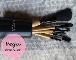 vega makeup brush set of 7 brushes