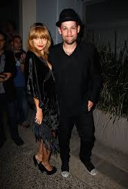 Nicole Richie posed with husband Joel ...