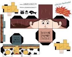 Cubeecraft De Los Personajes De Disney Artesania De Toy Story Cajas Para Magdalenas Munecas De Papel Disney