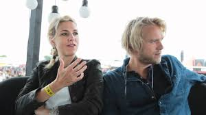 Cecilie Frøkjær og Felix Smith på Roskilde Festival - YouTube