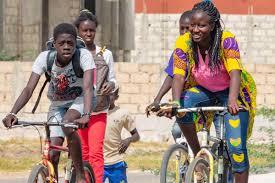 """Uso la bici como terapia: si tengo dudas existenciales, salgo a pedalear""""  (Romà Boule, Bicicletas Sin Fronteras)"""