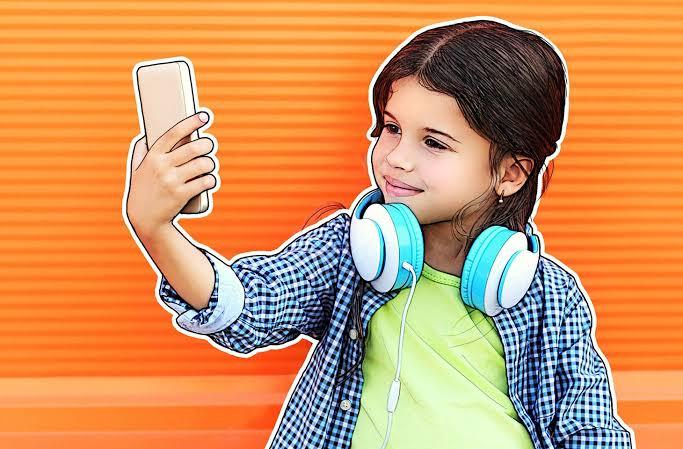 """Resultado de imagem para smartphone criança"""""""