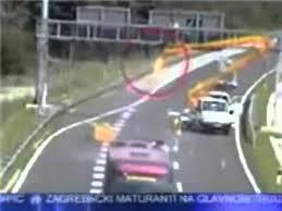 Acidentes dramaticos em auto estradas vias publicas mortes - YouTube