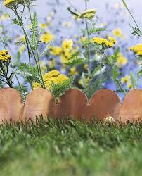 20 Garden Edging Ideas To Make Your Plants Pop