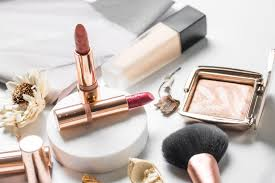 the best holiday makeup gift sets for