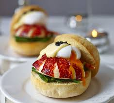 Lobster muffins with poached egg ...