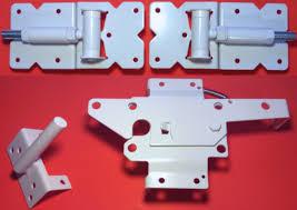 Vinyl Fence Gate Single Gate Hardware Kit White For Vinyl Pvc Etc Fencing Fence Gate Kit Includes Gate Hinges W Mounting Hardware Gate Latch Single Fence Gate Kit Has 2 Hinges