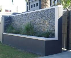 25 Best Concrete Fencing Design Ideas For Backyard Remodeling Plan The Material Of A Fence Holds An Important Role When You Are A Arsitektur Ide Pagar Modern
