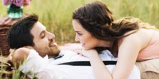 صورحب رومانسية و عشق و غرام مكتوب عليها كلام عن عبارات الحب مجلة