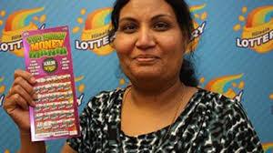 Des Plaines woman wins $4 million lottery prize on Mother's Day - Chicago  Tribune