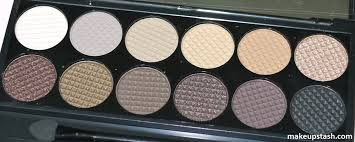 divine eyeshadow palette in au naturel