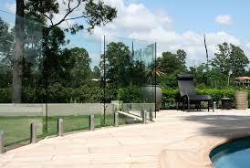 frameless vs semi frameless glass pool