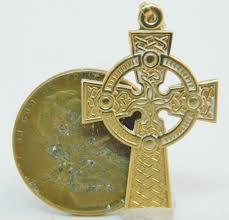 vntg 9k gold irish celtic cross pendant