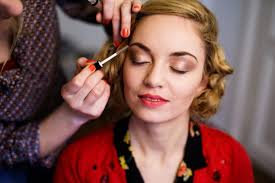 1930s makeup about thin eyebrows and