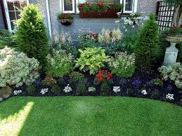 20 Simple But Effective Front Yard Landscaping Ideas | Small front ...
