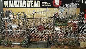 Miniature Chain Link Fence With Razor Wire For War Games Or Zombie Apocalypse Scenery Props Paint Wargames Role Playing Scenery Props Paint Wargames Role Playing