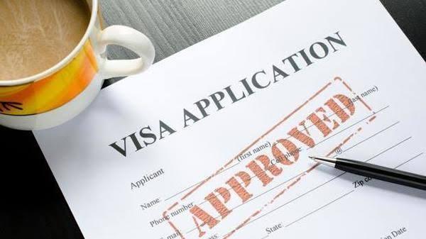 ट्रंप ने बढ़ाई H-1B Visa एप्लीकेशन फीस, IT कंपनियों की बढ़ी समस्या