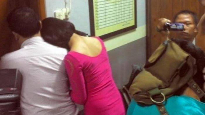 "Hasil gambar untuk Ngamar Dengan Dokter, Ibu Bidan ini Digerebek Polisi Yang Merupakan Suaminya Sendiri"""