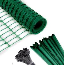 Amazon Com Safety Fence 25 Steel Plant Stakes Extra Strength Mesh Snow Fencing Temporary Green Plastic Garden Netting 4x100 Feet Fence 25 4 Foot Stakes Above Ground Barrier For Construction Dogs