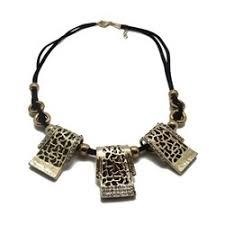 print cutout necklace at rs 428