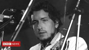 When Bob Dylan played the Isle of Wight Festival in 1969 - BBC News